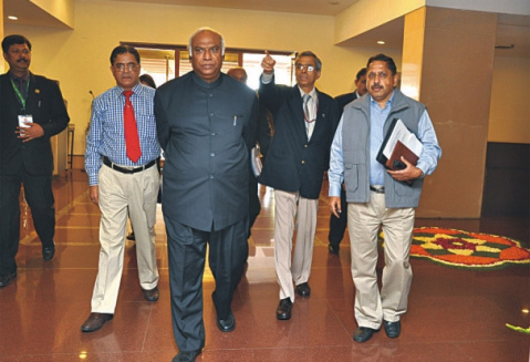 Shri Mallikarjun Kharge, Hon'ble Minister of Labour & 