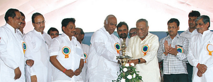 Shri Mallikarjun Kharge, Hon'ble Union Minister of Labour and Employment, Panchdeep during stonelaying ceremony of ESIC Hospital, Ankleshwar, Gujarat.
