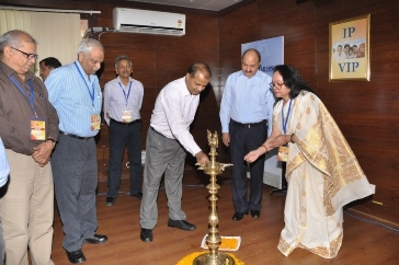 Shri Deepak Kumar, IAS, Director General, ESI Corporation inaugurated the Exhibition-cum-Seminar on 'New Innovations in the Medical Field' at ESIC's National Training Academy, Dwarka, New Delhi on 23.04.2016.